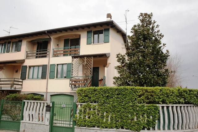 foto  Single family villa via Gaetano Donizetti, Calvignasco