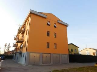 Foto - Trilocale ottimo stato, secondo piano, Golese, Parma