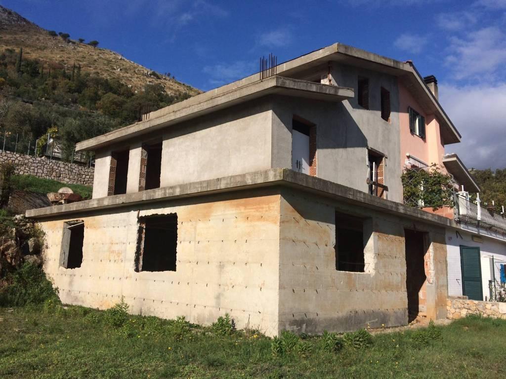 foto  Rustico via Comignano, Itri