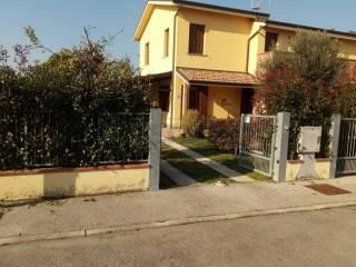 Foto - Villetta a schiera 5 locali, buono stato, Bondeno
