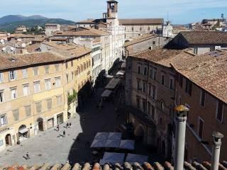 Foto - Appartamento buono stato, ultimo piano, Centro Storico, Perugia