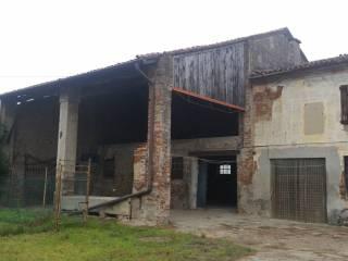 Foto - Cascina, da ristrutturare, 600 mq, Cristo Re, Cremona