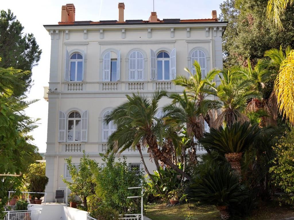 foto  Multi-family villa corso degli Inglesi 409, Sanremo