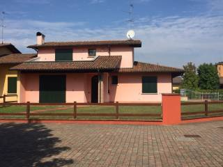 Foto - Villa via Bruno Buozzi 46, Casalpusterlengo