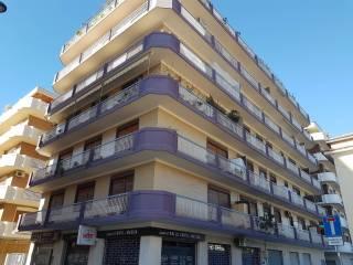 Foto - Quadrilocale via Ronchi 16, Lungomare, Pescara
