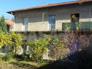 Foto - Appartamento da ristrutturare, piano terra, Lozza
