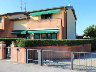 Foto - Villetta a schiera via Navigazione, Montalbano, Ferrara