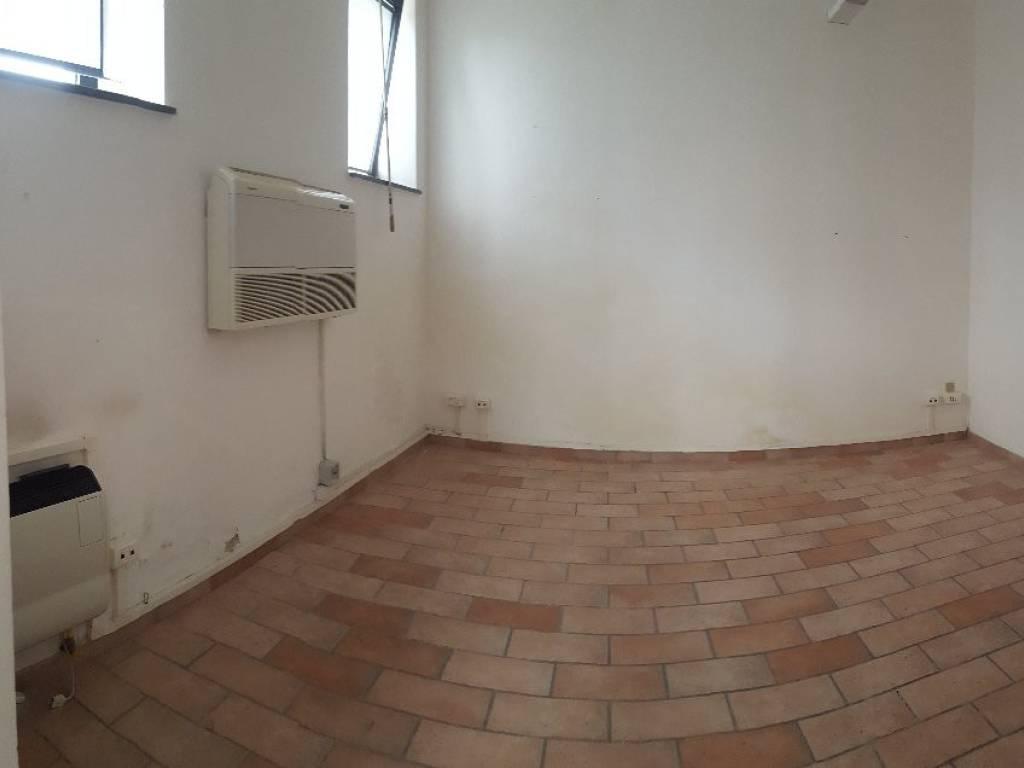 foto  Ufficio in Affitto a Collesalvetti