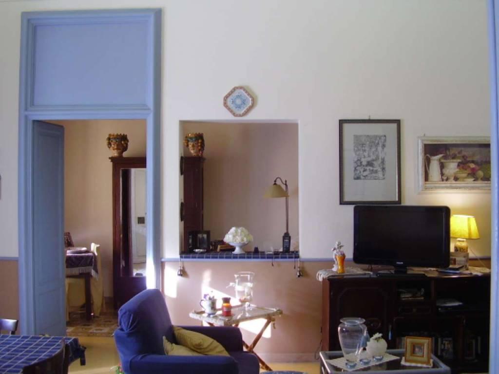 foto soggiorno 1 Apartment corso Vittorio Emanuele II 25, Caltanissetta