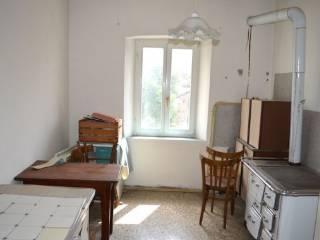 Foto - Bilocale secondo piano, Romeno