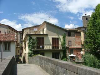 Foto - Casa indipendente via Nicola Fabrizi 14, Castelnuovo di Garfagnana