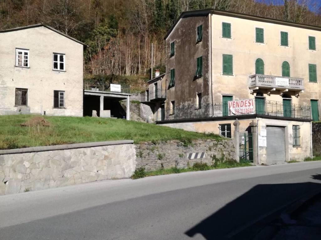 foto  Stabile o palazzo via Acqua di Sotto, Lorsica