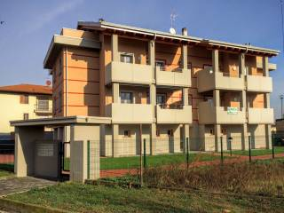 Foto - Trilocale via Alcide De Gasperi 73, Rosate