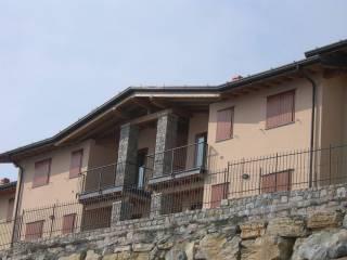 Foto - Trilocale via San Fermo 12, Adrara San Martino