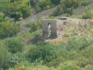 Foto - Terreno edificabile residenziale a Malfa