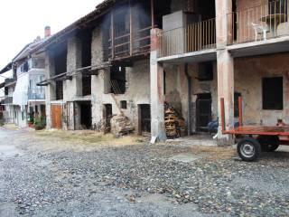 Foto - Casa indipendente via Umberto I 31, Cuceglio