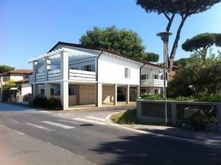 Foto - Trilocale via Giulio Cesare 320, Montignoso