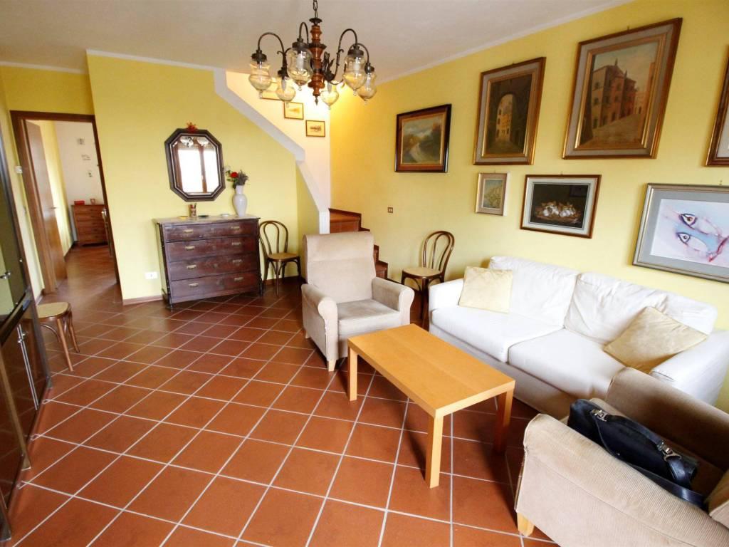 foto sala Appartamento via della Chiesa di Picciorana 234D, Lucca