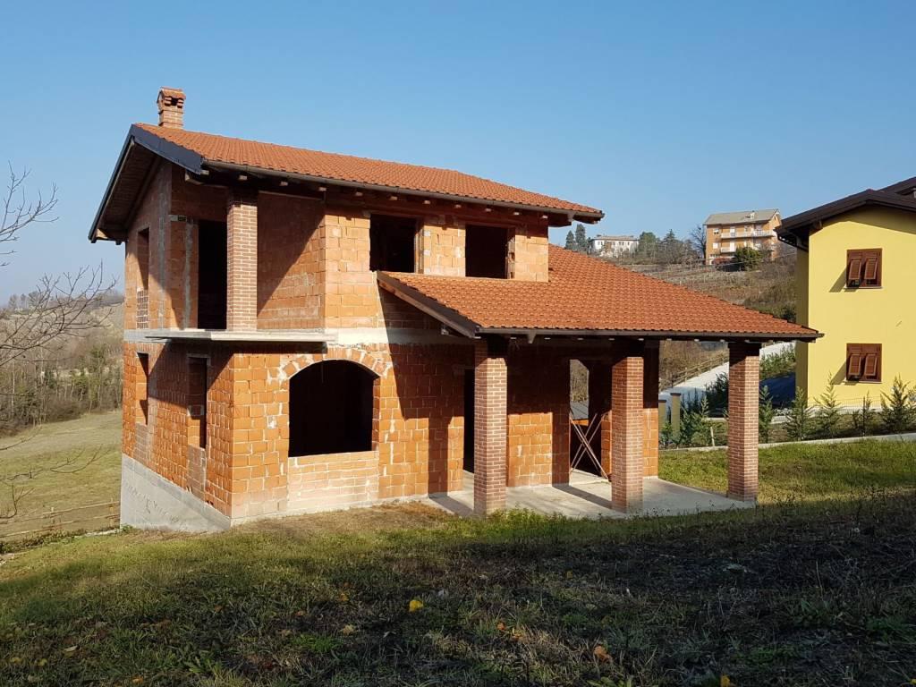 foto  Villa unifamiliare via Roma, Casaleggio Boiro