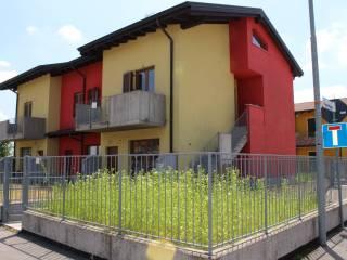 Foto - Trilocale via Roggia Mornichello, Cavernago