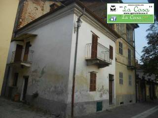 Foto - Casa indipendente via al Castello, Passerano, Passerano Marmorito