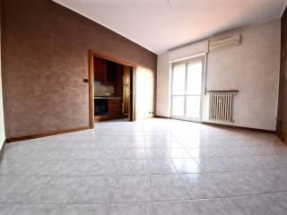 Foto - Trilocale buono stato, terzo piano, Origgio