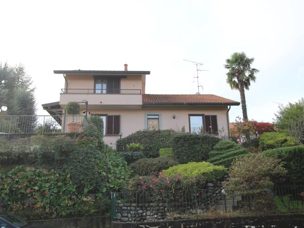 foto esterno Villa unifamiliare via Gemelli 10, Garbagnate Monastero
