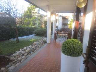 Foto - Villa via Provinciale Per Lecco, Lipomo