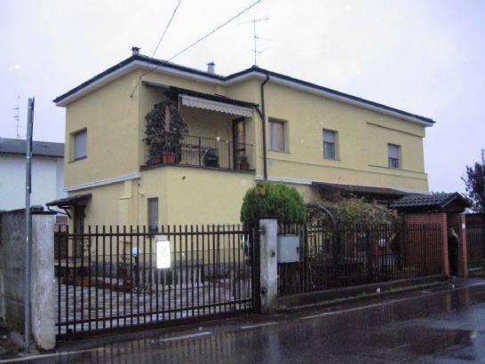 foto  Villa via Lattuada, Morimondo