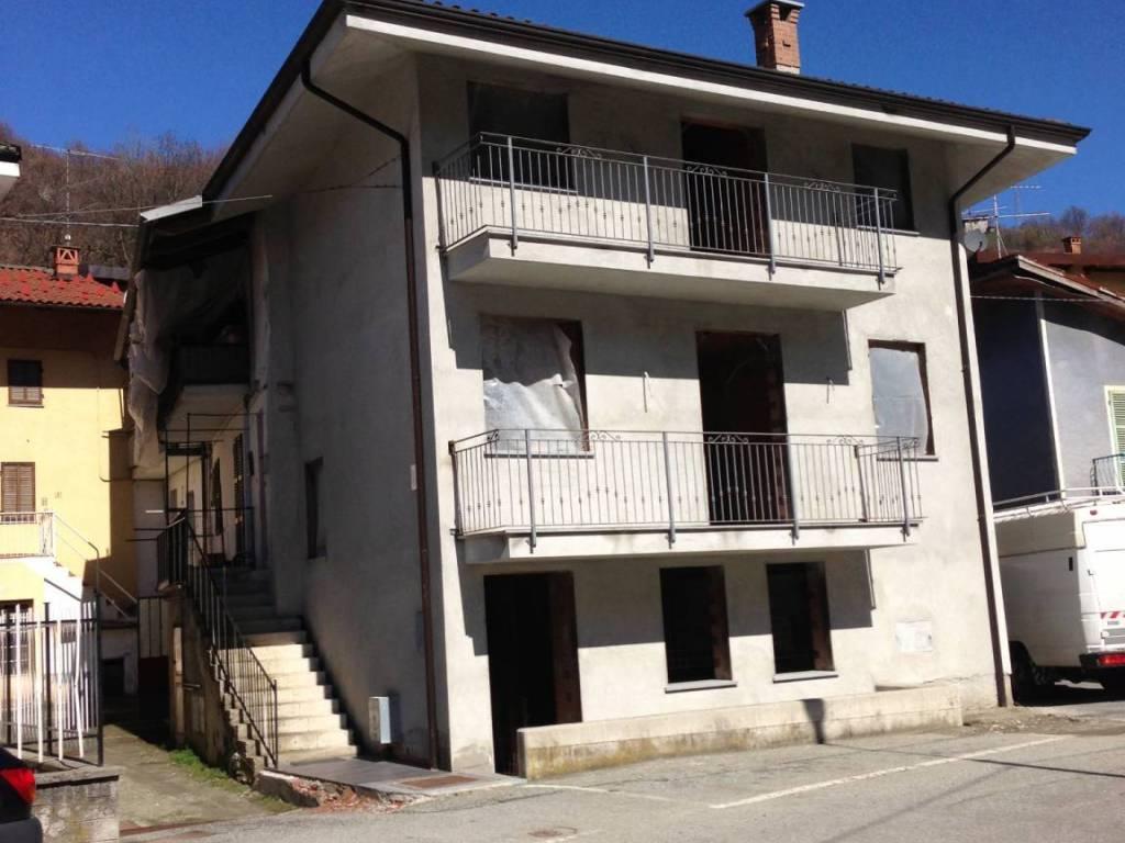 foto  Casa indipendente via Villa, Brondello