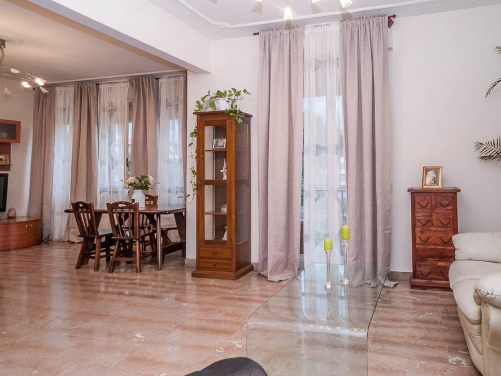 Ufficio Casa Via Pollastrini Livorno : Vendita appartamento livorno quadrilocale in via antonio
