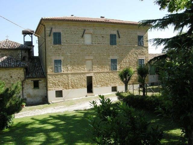 foto  Palazzo / Stabile Collicelli 38, San Severino Marche