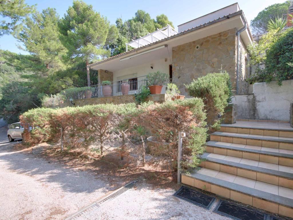 foto  Villa plurifamiliare, buono stato, 140 mq, Castiglione della Pescaia