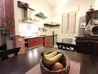 Foto - Trilocale via San Vittore 11, Lainate