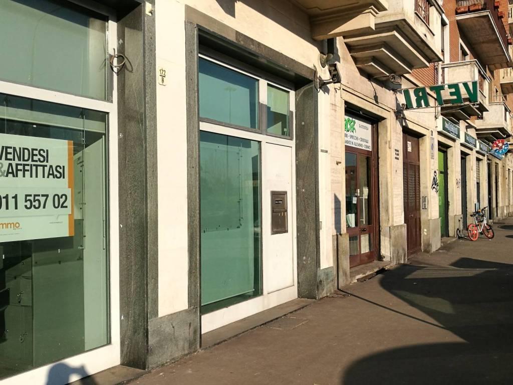 foto facciata Store for Sale