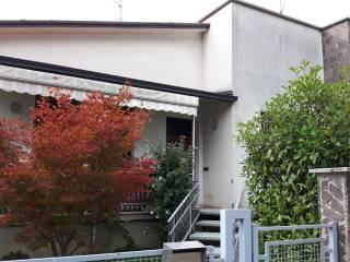 Foto - Villa via Giacomo Leopardi 22, Castelnovo di Sotto