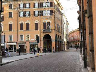Attività / Licenza Vendita Modena  1 - Centro Storico