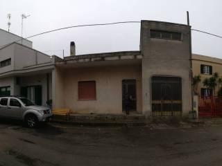 Foto - Quadrilocale via Milite Ignoto 95, Caprarica di Lecce