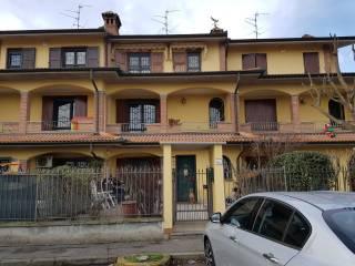 Foto - Villetta a schiera via 4 Novembre, Argine, Bressana Bottarone