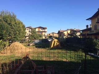 Foto - Terreno edificabile residenziale a Castelli Calepio