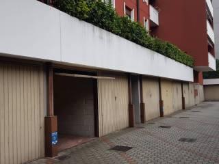 Foto - Box / Garage via Fratelli Cervi, Cornaredo