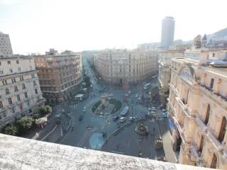 Foto - Quadrilocale buono stato, sesto piano, Porto - Municipio, Napoli