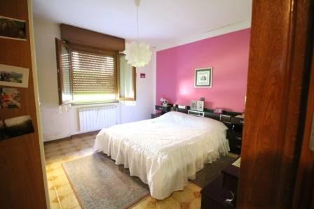 foto camera matrimoniale 3-room flat via piazza Botta, Sedrina
