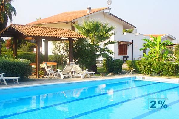 Vendita Villa in Strada per Lobia 7 Brindisi. Ottimo stato, terrazza ...