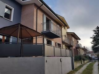 Foto - Villetta a schiera via Tezzone 24, Rivalta Sul Mincio, Rodigo