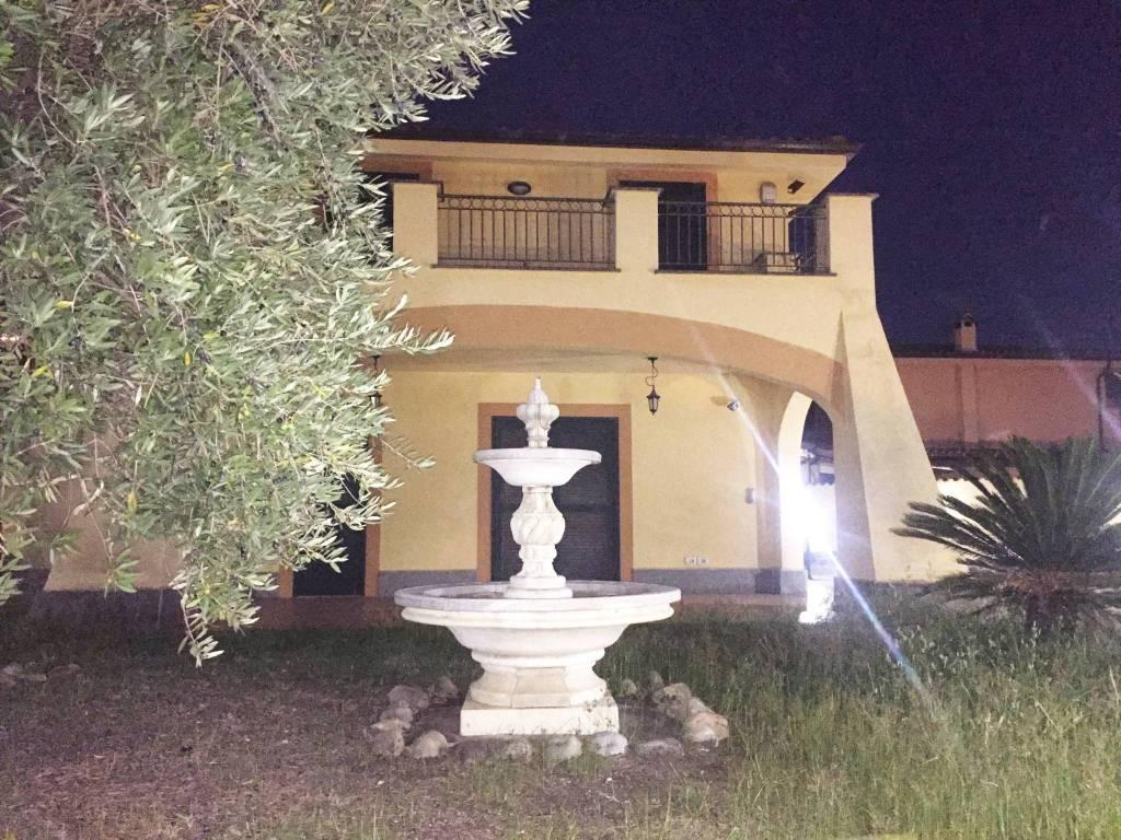 Vendita Villa unifamiliare in viale Prato Fiorito Roma