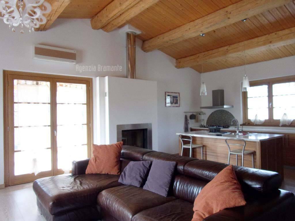 foto  Two-family villa, excellent condition, 277 sq.m., Fermignano