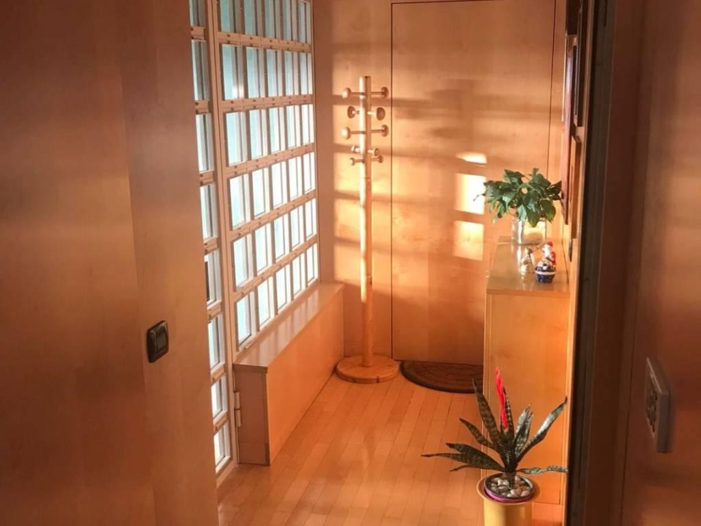 Foto 2 di Appartamento Asti