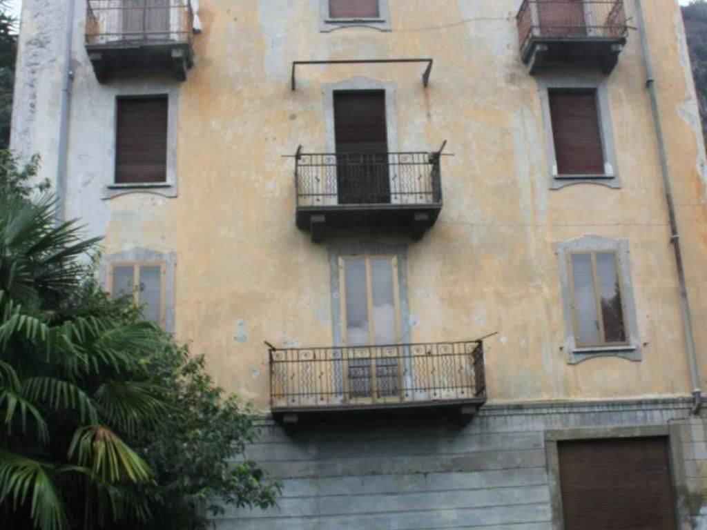 foto  Palazzo / Stabile via Duca d'Aosta 18, Dervio