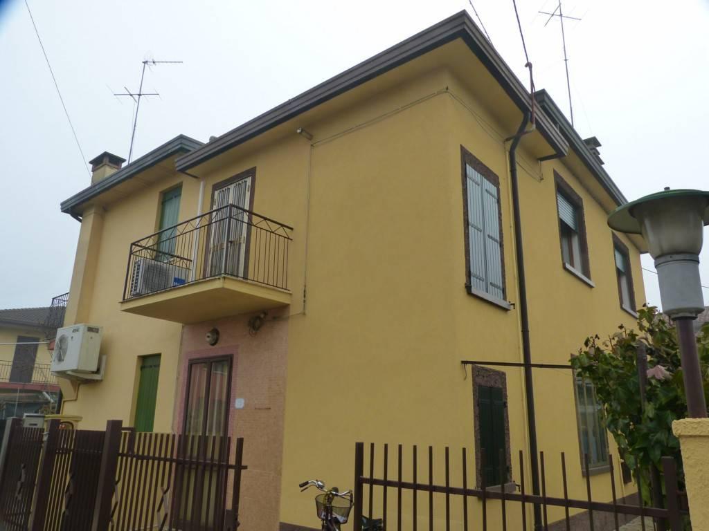 Vendita casa indipendente mirano da ristrutturare for Casa indipendente da ristrutturare